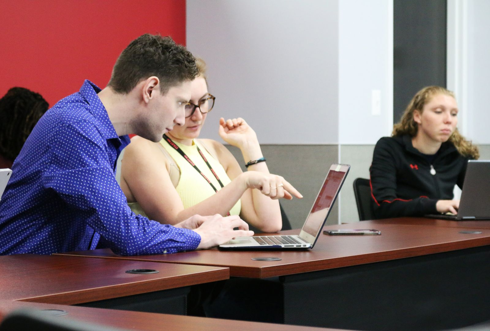 Thomas G. helps student with R software